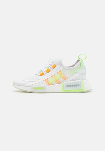 NMD_R1 SPECTOO UNISEX - Trainers - footwear white/semi solar gold/signal green
