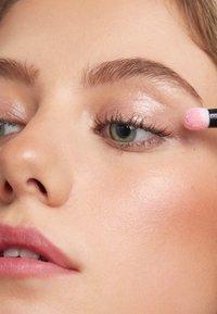 3ina - EYEGLOSS - Eye shadow - 501 light pink - 2