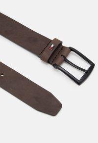 Tommy Hilfiger - DENTON - Belt - brown - 1