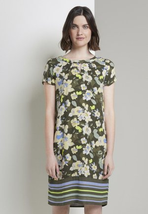KLEIDER & JUMPSUITS GEMUSTERTES T-SHIRT-KLEID - Day dress - khaki floral design