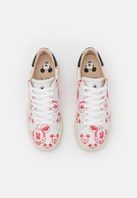 MOA - Master of Arts - GALLERY - Sneakers basse - white/red - 4