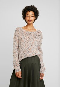 Cream - DICTE OVERSIZE JUMPER - Jumper - soft camel - 0