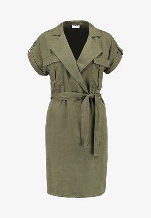 NMVERA ENDI DRESS - Košilové šaty - olive night