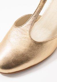 LAB - Classic heels - galaxy opalo - 2
