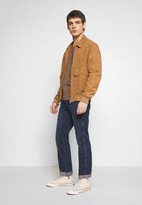 Wrangler - TEXAS - Jeans straight leg - blue denim - 1
