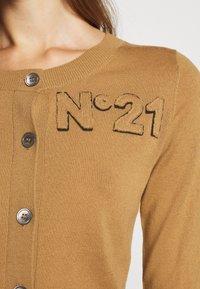 N°21 - Vest - camel - 6