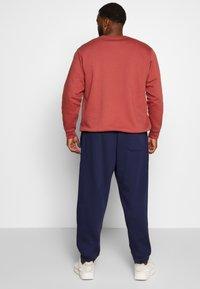 Polo Ralph Lauren Big & Tall - Tracksuit bottoms - cruise navy - 2