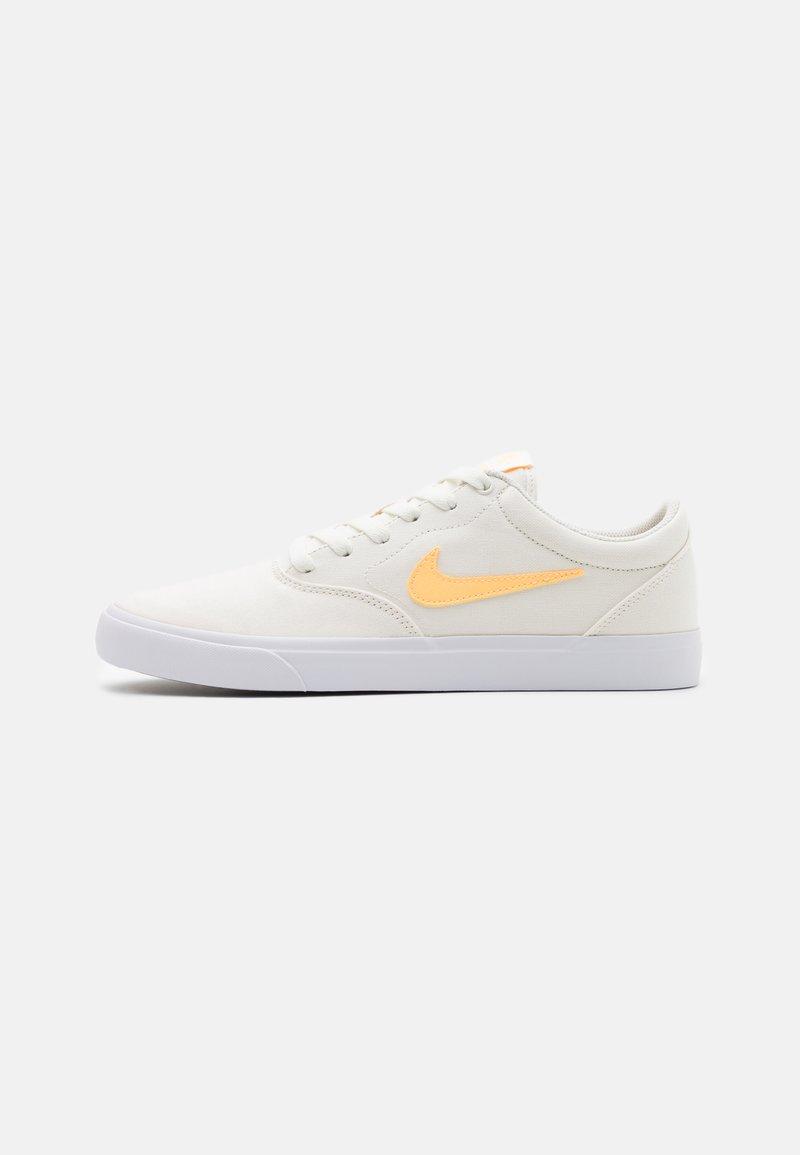 Nike SB - CHARGE SLR - Sneakers - sail/melon tint/white