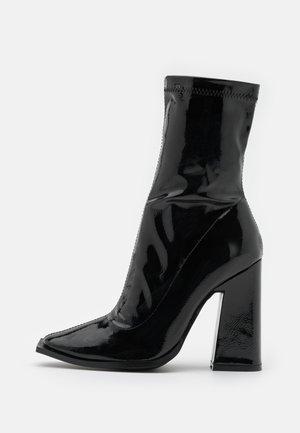 VEGAN  - Ankelboots med høye hæler - black