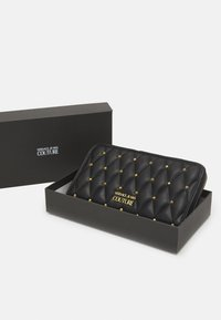 Versace Jeans Couture - MALLORY ZIP AROUND WALLET - Lommebok - nero - 3