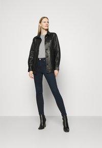 Marks & Spencer London - IVY SKINNY - Jeans Skinny Fit - dark-blue denim - 1