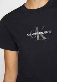 Calvin Klein Jeans - GLITTER MONOGRAM TEE - Camiseta estampada - black - 5