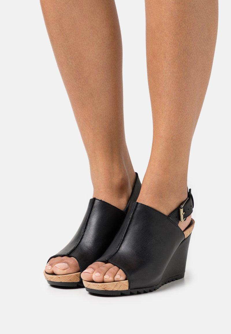 Clarks - FLEX STITCH - Platform sandals - black