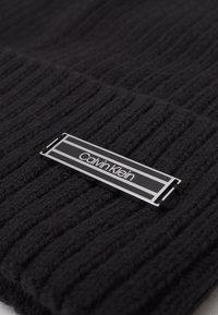 Calvin Klein - BEANIE UNISEX - Čepice - black - 2