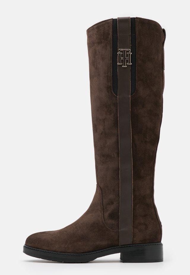 INTERLOCK LONG BOOT - Vysoká obuv - cocoa
