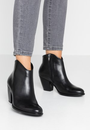 SHAPE WESTERN - Ankle boot - black
