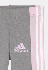 adidas Performance - UNISEX - Medias - grey/light pink - 2