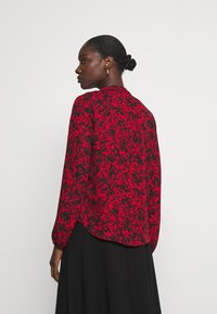 Wallis - SHADOW DITZY FLORAL FRILL - Long sleeved top - red - 2