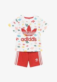 adidas Originals - SET - Pantalones - white/multicolour - 3