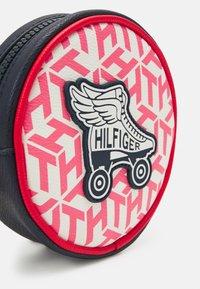 Tommy Hilfiger - GIRLS SEASONAL MONO BUMBAG - Across body bag - deep crimson/cotton candy - 3