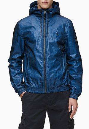 MESH HOODED  - Light jacket - coastal blue