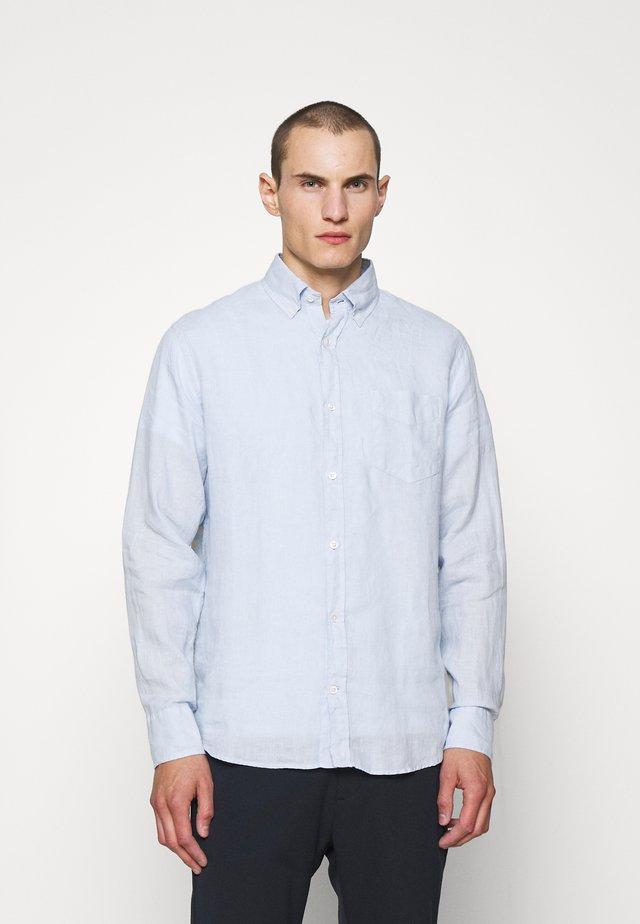 LEVON SHIRT - Overhemd - light blue