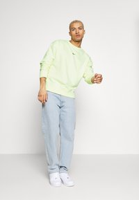 Nike Sportswear - Sweatshirt - luminous green - 1