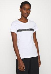 Calvin Klein Jeans - STRIPE SLIM TEE - Print T-shirt - bright white - 0