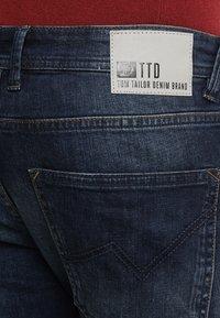 TOM TAILOR DENIM - PIERS - Slim fit jeans - dark stone wash denim - 5