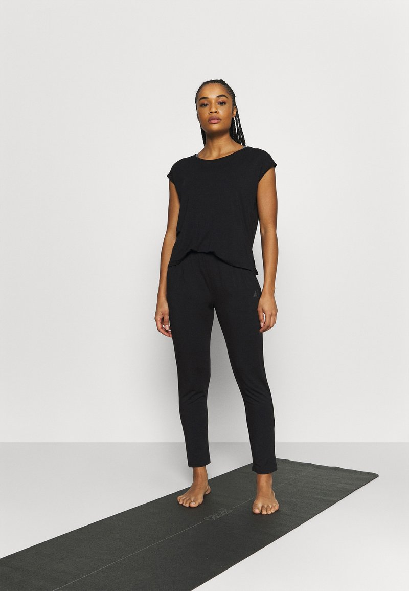 Curare Yogawear - ONEPIECE  - Tracksuit - black