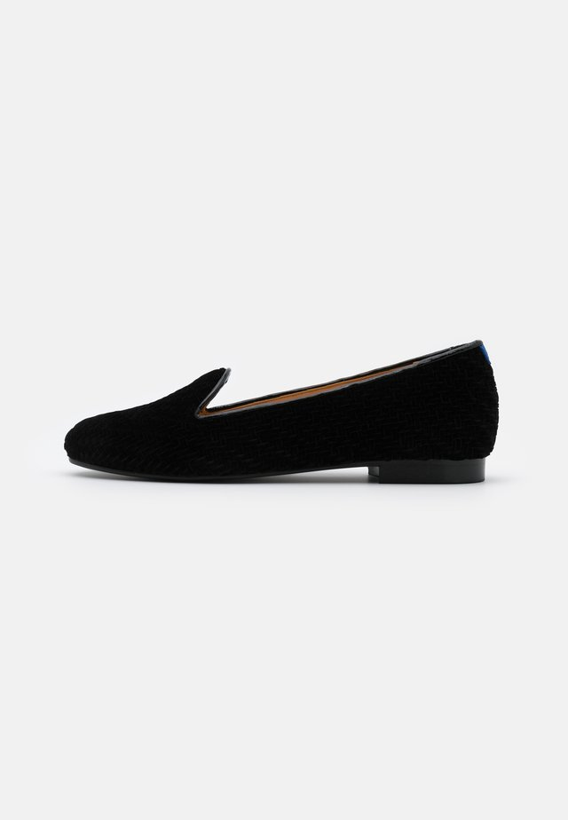 CLASSIC - Loaferit/pistokkaat - black seceno