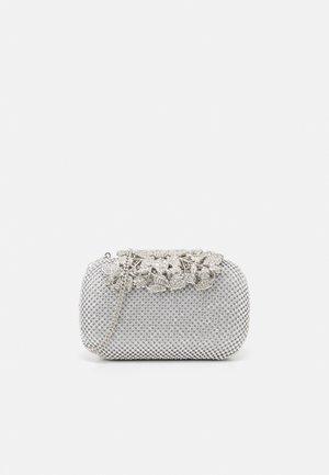KATIE EMBELLISHED CLASP CLUTCH - Clutch - silver glitter