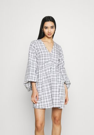 CHECK BALLOON SLEEVE SMOCK DRESS - Blousejurk - white