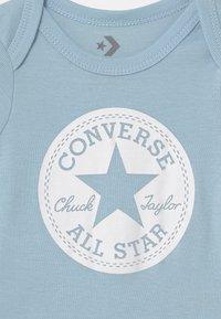 Converse - CHUCK TAYLOR 2 PACK - T-shirts med print - pacific blue coast - 3