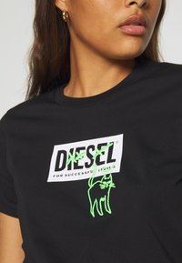 Diesel - T-SILY-E52 T-SHIRT - T-shirt imprimé - black - 5