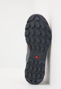 Salomon - VAYA GTX - Hiking shoes - ebony/cantaloupe/black - 4