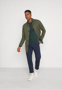 11 DEGREES - CORE - Sweatshirt - darkest spruce grey - 1