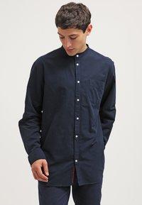 KnowledgeCotton Apparel - SLIM FIT - Shirt - total eclipse - 0