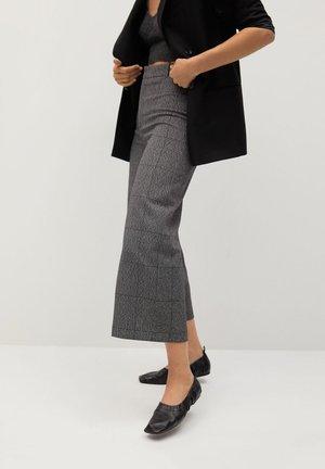 CLEAN - Shorts - gris