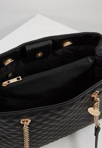 Forever New - QUILTED SHOULDER BAG - Handbag - black - 3