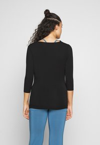 Curare Yogawear - WATERFALL 3/4 SLEEVES - Top s dlouhým rukávem - black - 2