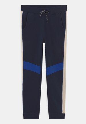 NKMNAZIM - Pantaloni sportivi - dark sapphire