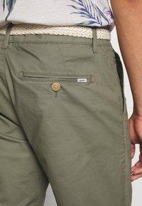Esprit - Shorts - dusty green - 5