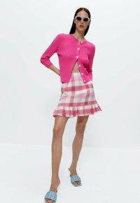 Uterqüe - MIT VOLANTS - A-line skirt - pink/white - 1
