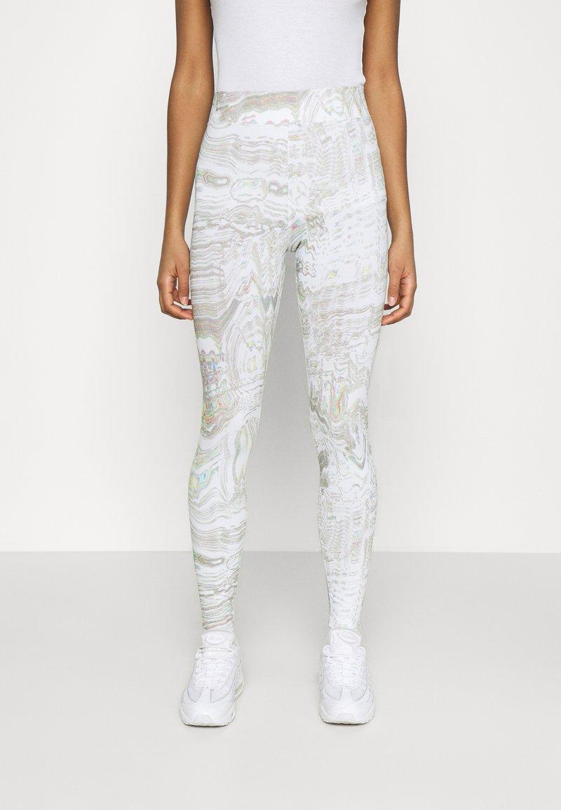 Nike Sportswear - Legging - white