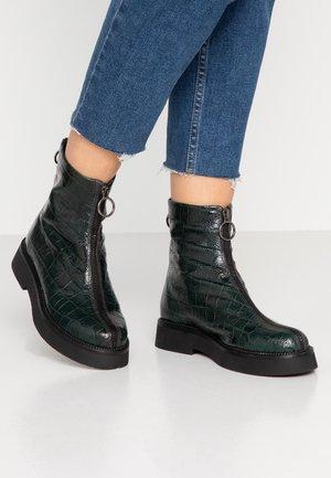 Kotníkové boty na platformě - lichene