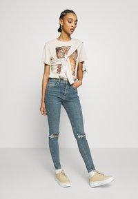 Topshop - ALABAMA JAMIE  - Jeans Skinny Fit - green cast - 1