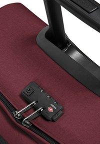 Eastpak - CORE COLORS - Wheeled suitcase - red/bordeaux/mottled bordeaux - 6
