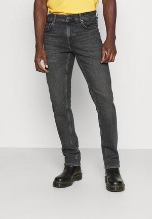 DENTON - Džíny Straight Fit - belver grey