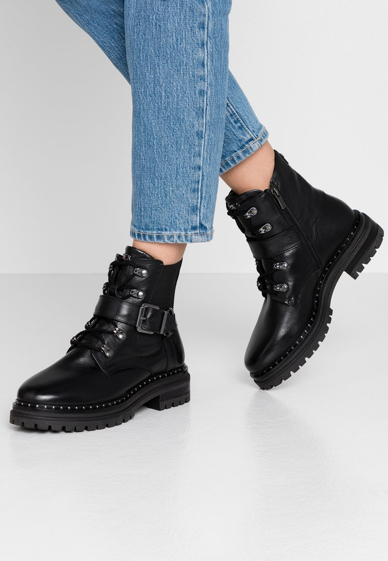 Mexx - DESNEY - Cowboy/biker ankle boot - black